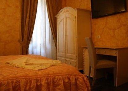 Pope\'s Suites