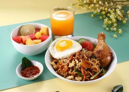POP! Hotel BSD City Tangerang Makanan