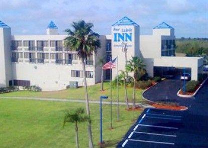 Port Labelle Inn