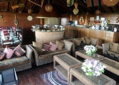 Port Lympne Reserve - Livingstone Lodge
