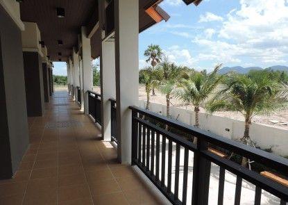 P\'Private Resort
