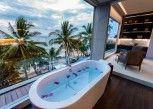 Pesan Kamar Premier Club di Katamaran Hotel & Resort