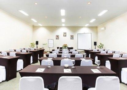 PrimeBiz Hotel Karawang Ruangan Meeting