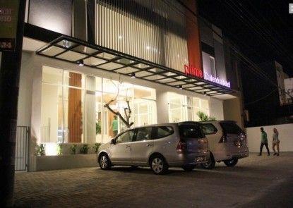 Prime Cailendra Hotel Pintu Masuk