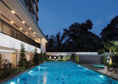 Prime Plaza Hotel Kualanamu - Medan Kolam Renang