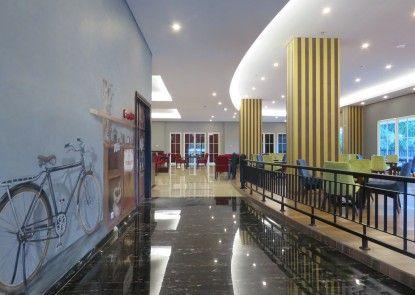 Prime Plaza Hotel Kualanamu - Medan Rumah Makan