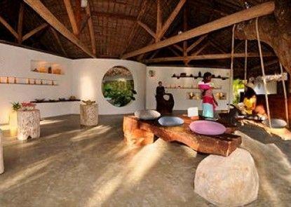 Princesse Bora Lodge & Spa