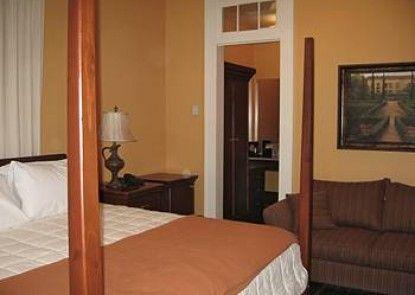 Prytania Oaks Hotel