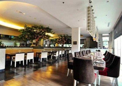 Puri Denpasar Hotel Rumah Makan