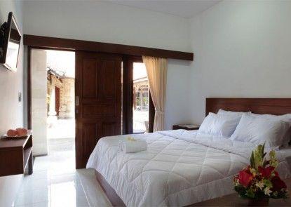 Puri Jayaraja Guest House Kamar Tamu