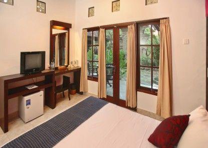Puri Sading Hotel Kamar Tamu