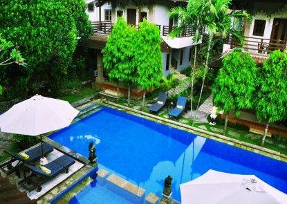 Puri Sading Hotel Kolam Renang