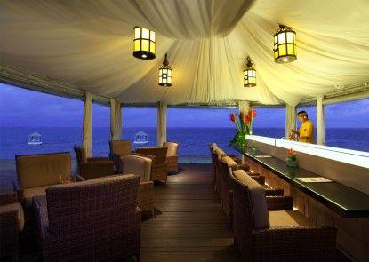 Puri Santrian Beach Resort & Spa Bar