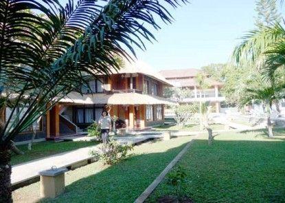 Puri Saron Baruna Beach Hotel Eksterior