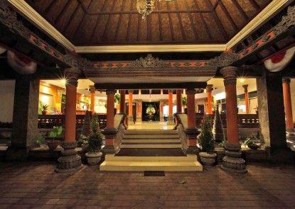 Puri Saron Seminyak Hotel Pintu Masuk