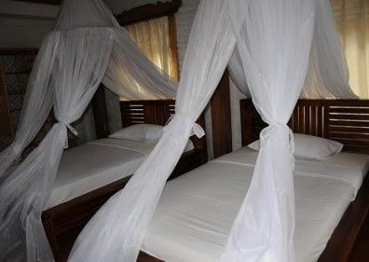 Puri Sunny Hotel Teras