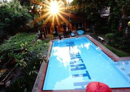 Puri Wisata Balinese Style Hotel Kolam Renang