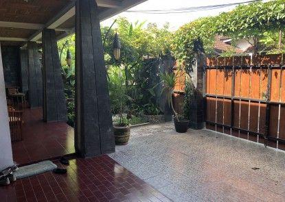 Puri Minggiran Guest House Taman