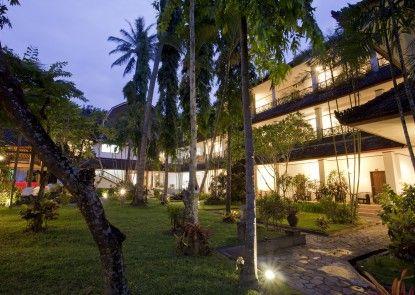 Puri Saron Senggigi Beach Resort, Lombok Taman