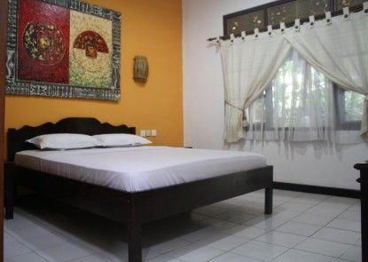 De Puspa Residence Seminyak Kamar Tamu