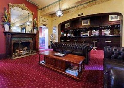 Quality Hotel Colonial Launceston Teras