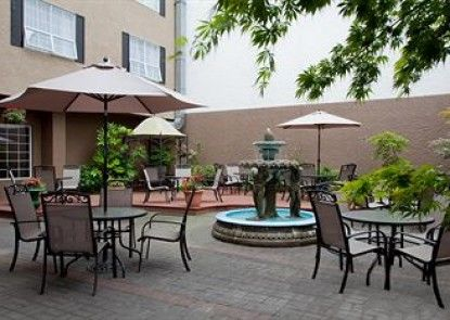 Quality Inn Downtown Inner Harbour Teras