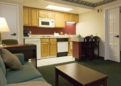Quality Inn & Suites Lexington Teras