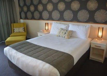 Quality Hotel @ The Ambassador