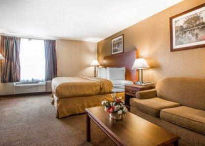 Quality Inn & Suites Middletown - Franklin