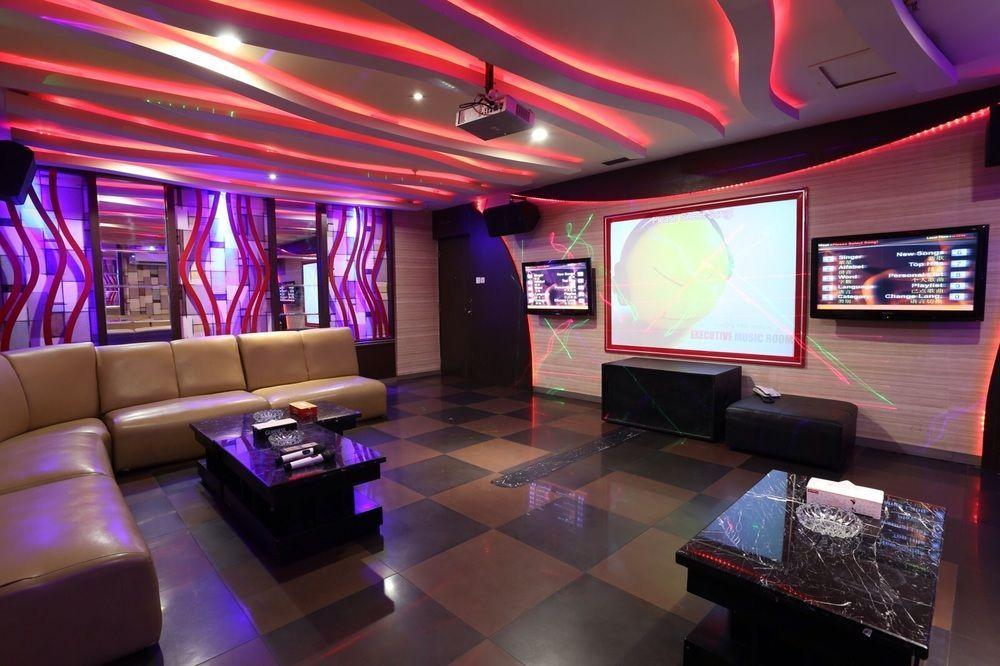 Almadera Hotel ex Quality Plaza Makassar, Makassar