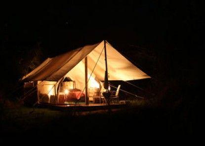 Quatermain\'s 1920\'s Safari Camp