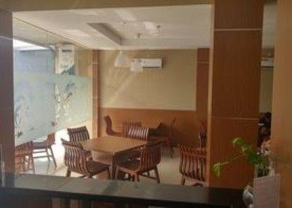 Quds Express Hotel Teras
