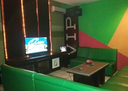 Queen City Hotel Banjarmasin ( A HARBOUR SIDE HOTEL ) Lounge