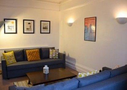 Queens Apartment
