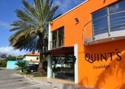 Quint\'s Travelers Inn