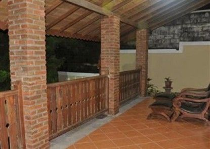 Raffles Villa Teras