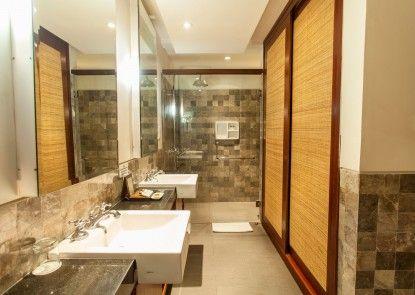 Rama Candidasa Resort, Spa & Dive Centre Kamar Mandi