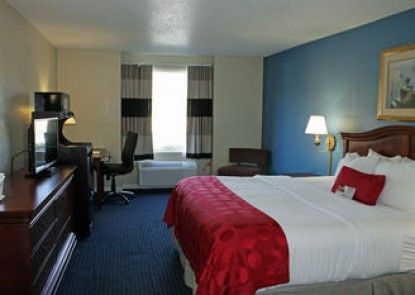 Ramada Pooler/Savannah
