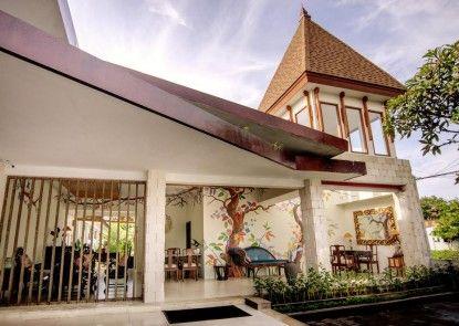 Rama Residence Petitenget Teras