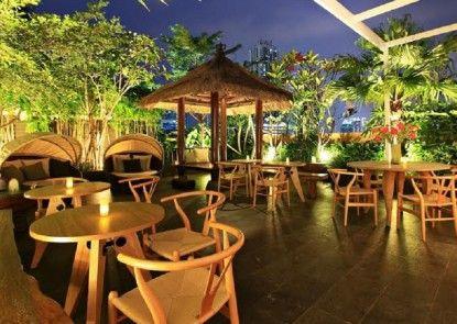Rasuna Icon Hotel Eksterior