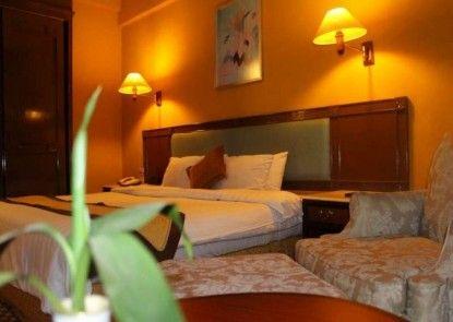 Ratu Mayang Garden Hotel Pekanbaru Teras