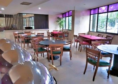 Ratu Mayang Garden Hotel Pekanbaru Kedai Kopi