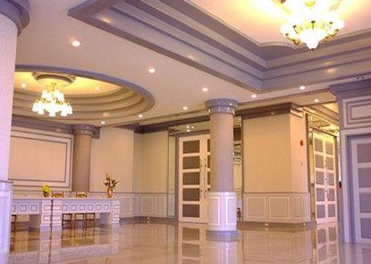 Raya Grand Hotel