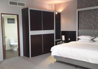 Raz Hotel & Convention Medan Kamar Tamu