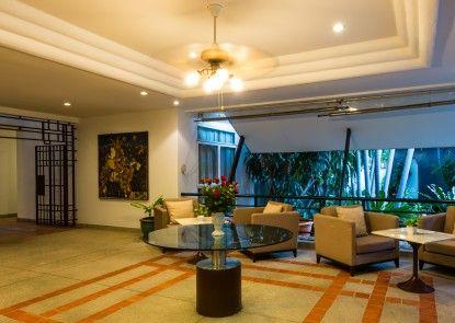 RCG Suites Pattaya Lobby