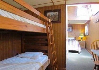 Red Caboose Motel Teras