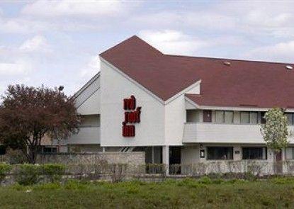 Red Roof Inn Lansing East - Michigan State University Teras