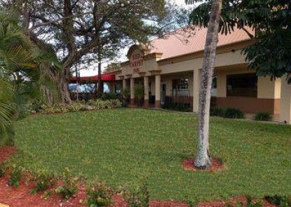 Red Carpet Inn Airport/Cruiseport