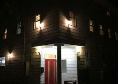 Red Door Lodge Hakuba