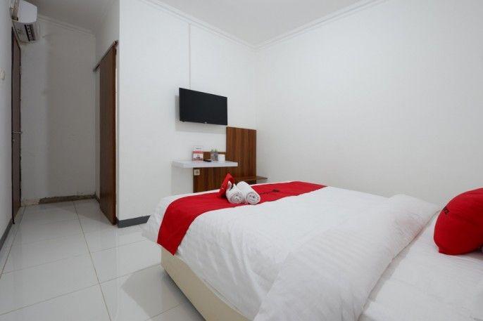 RedDoorz near Mall Ciputra 2, Semarang